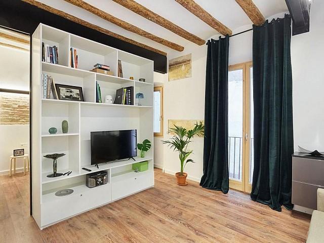 شقة جميلة في سان أنطوني ، برشلونة