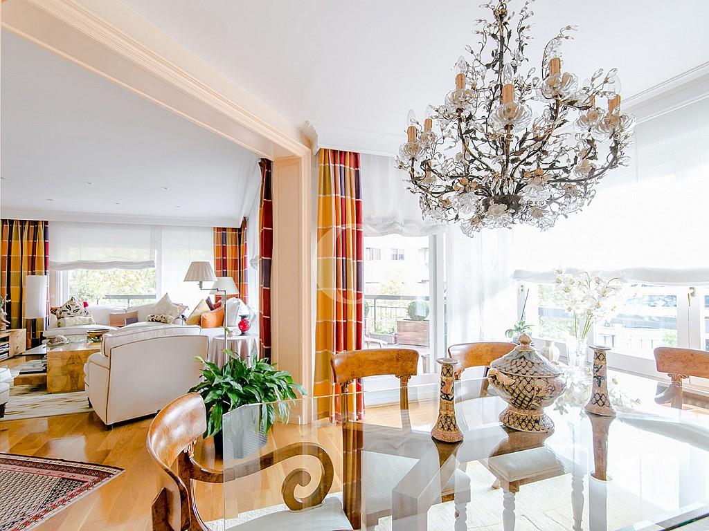 Просторная гостиная квартиры в Трес Торрес