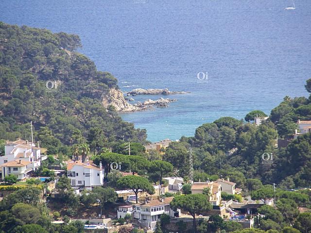 Великолепная недвижимость 1600 м2 вместе с домом с великолепным видом на море и горы !!