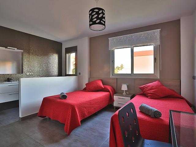 Уютная спальня виллы в Хесус