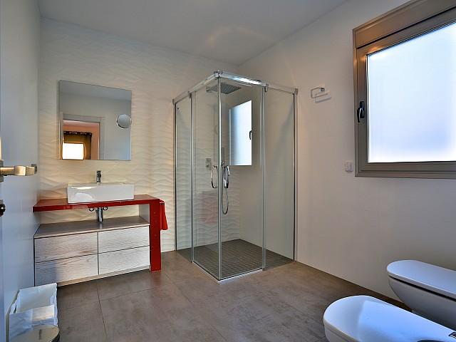 Ванная комната виллы в Хесус