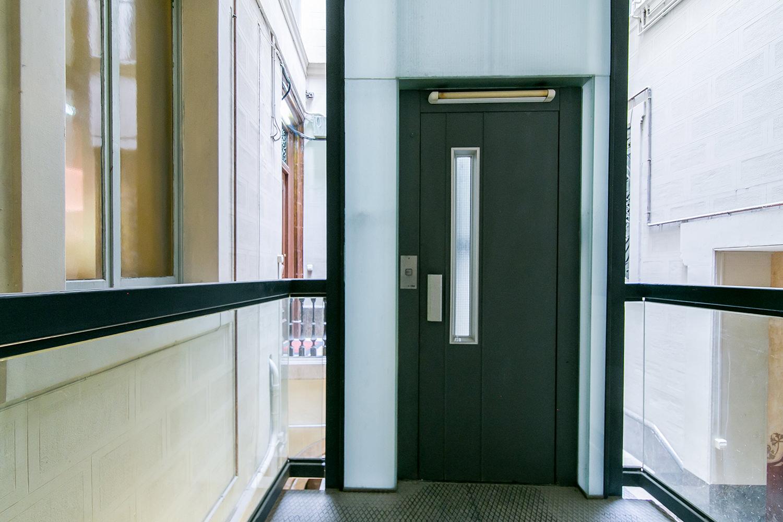 Recibidor de apartamento en venta en el Gotic, Barcelona