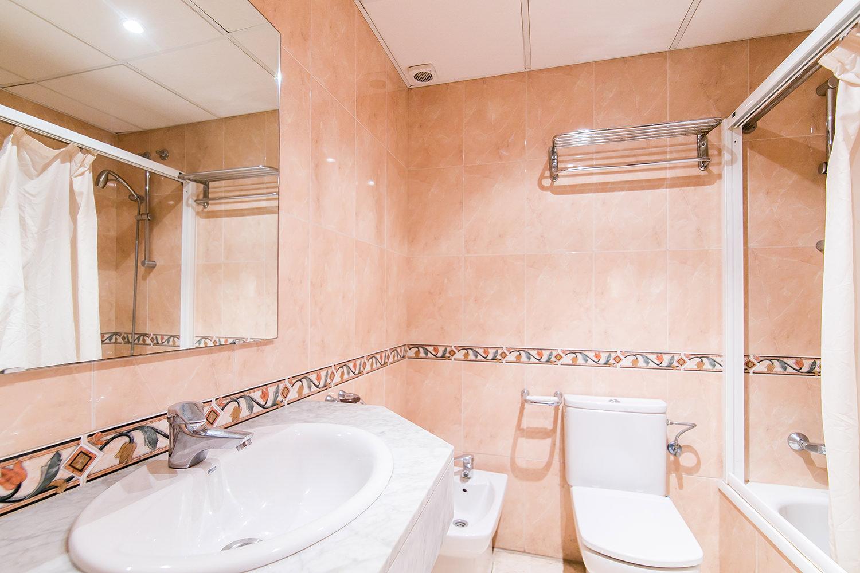 Baño de apartamento en venta en el Gotic, Barcelona