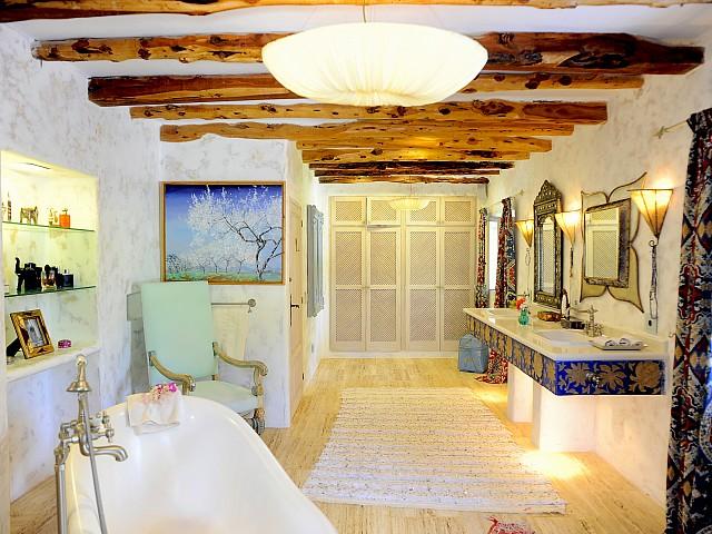 Ванная комната виллы на Ибице