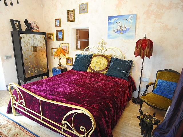 Шикарная спальня виллы на Ибице