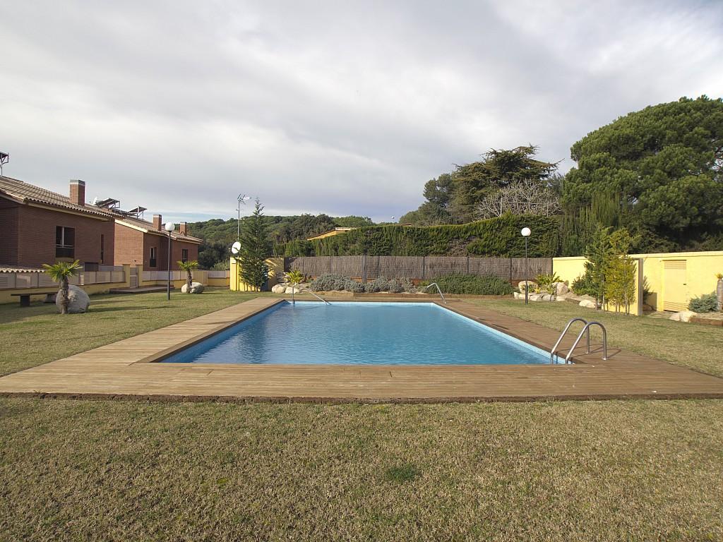 Шикарный бассейн дома в Льорет де Мар