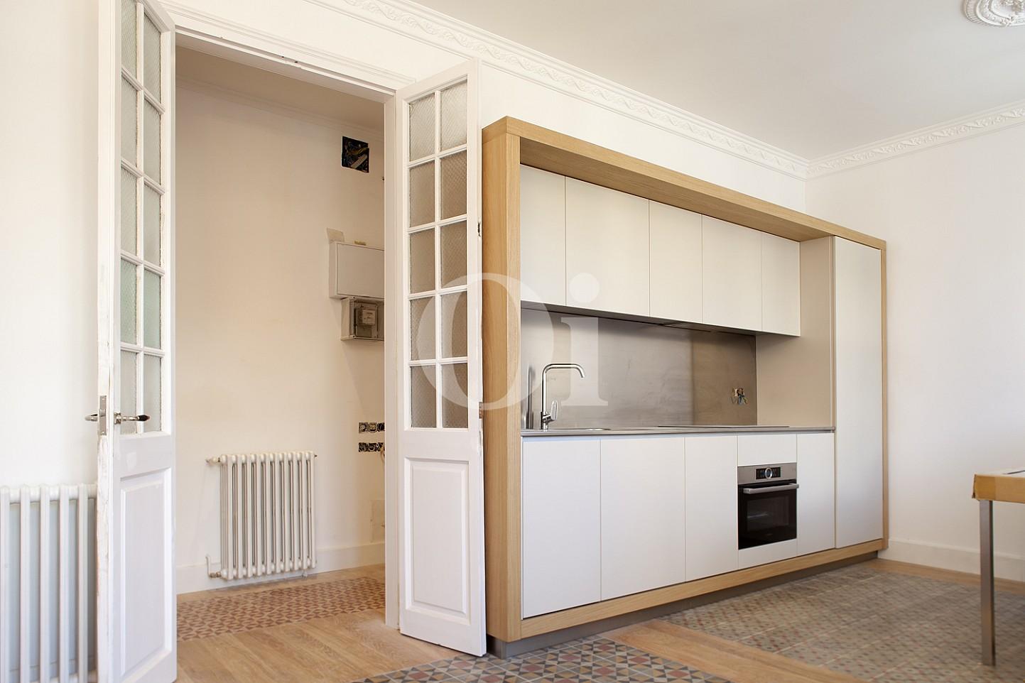 Встроенная кухня квартиры в Эшампле Дрета