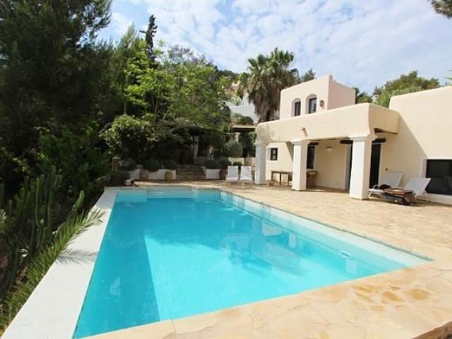 Rustikale Wohnung nur 5 Minuten vom Strand in Santa Eulalia, Ibiza