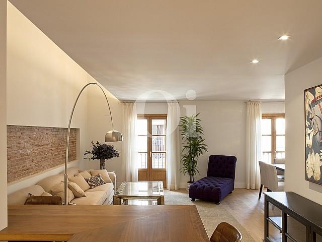 Продается великолепная квартира в Готическом квартале