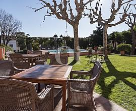 EXCELLENTE OPPORTUNITÉ D'AFFAIRES – Spectaculaire masía hôtel 4 étoiles à Cabrils, Maresme