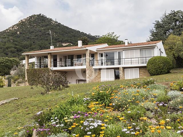 Продается шикарный дом в Кабрера де Мар