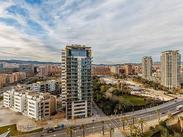 Vue spectaculaire depuis un appartement de luxe en vente à diagonal mar à barcelone