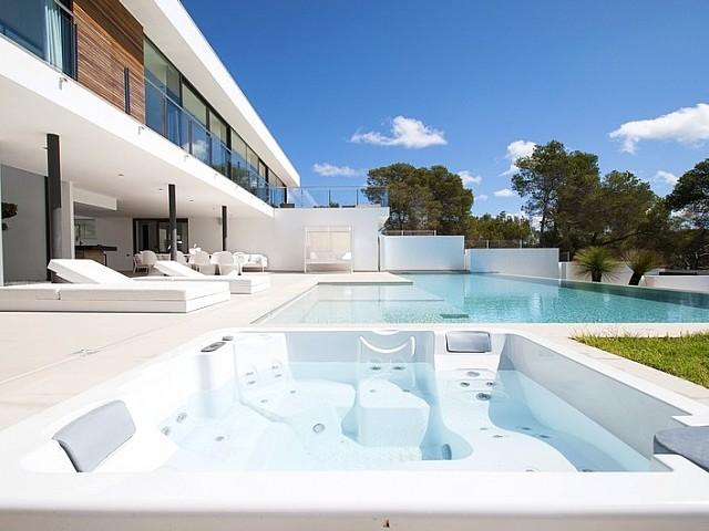 Impresionante villa en Urbanización Vista Alegre, Ibiza