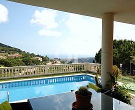 Merveilleuse maison individuelle en vente avec vue impressionnante sur la mer à Cabrils, Maresme