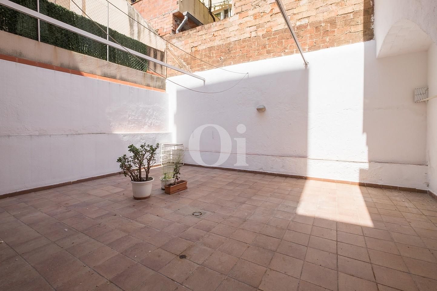 Продается квартира с террасой 35 м2 в Саграда Фамилия