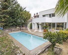 Продается современный дом в Аргентона, Маресме