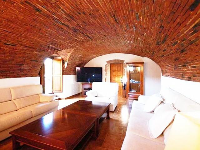 Schönes Landhaus zum Verkauf mit 14 Hektar Land in Calonge, Costa Brava