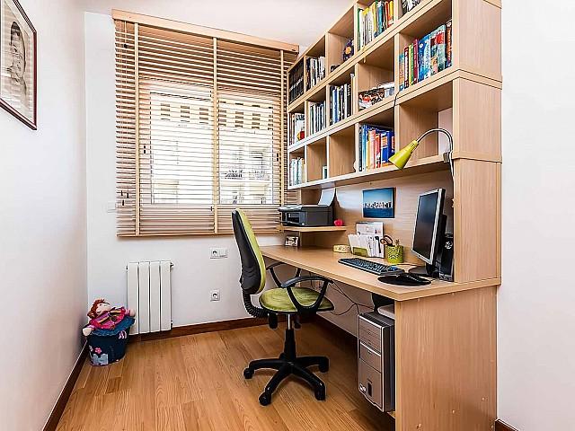 cómodo-despacho-lujoso-atico-en venta-barcelona-poble-nou