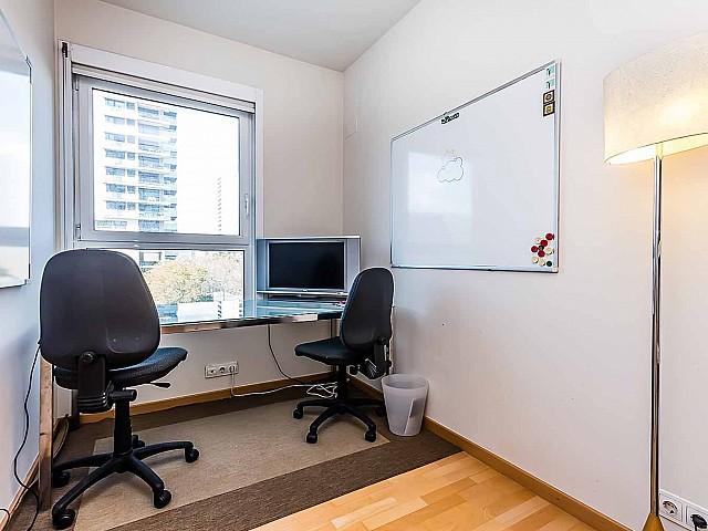 comodo-moderno-despacho-apartamento -de lujo-diagonal-mar-barcelona