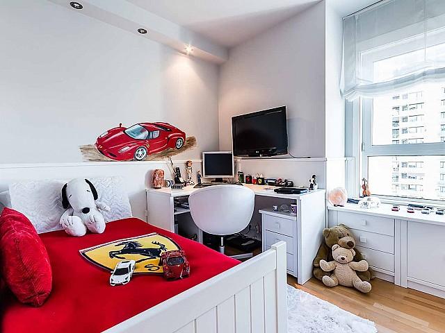 acogedora y luminosa habitación-lujoso-apartamento-diagonal mar -en venta-barcelona-