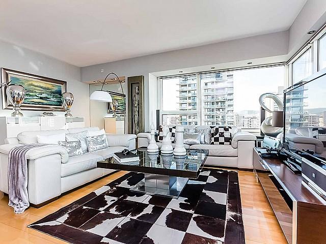 salón luminoso-lujoso-apartamento-diagonal mar -en venta-barcelona-