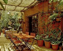Продается старинная фабрика, ставшая художественной мастерской, в Равале