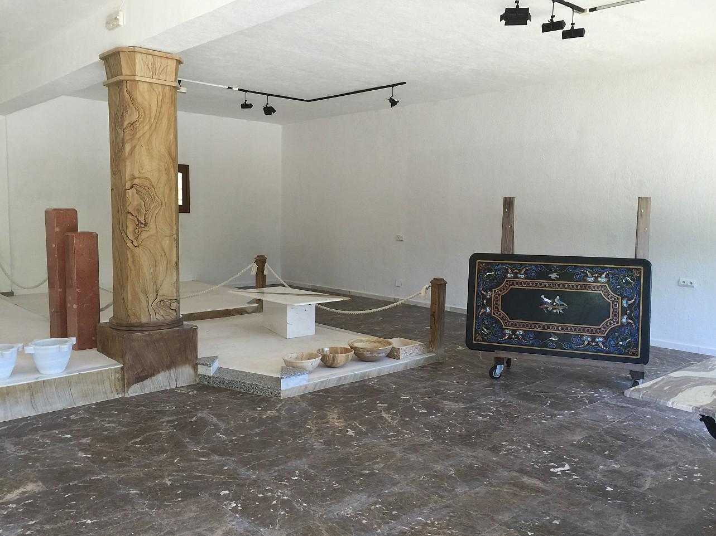 room, big room, marble