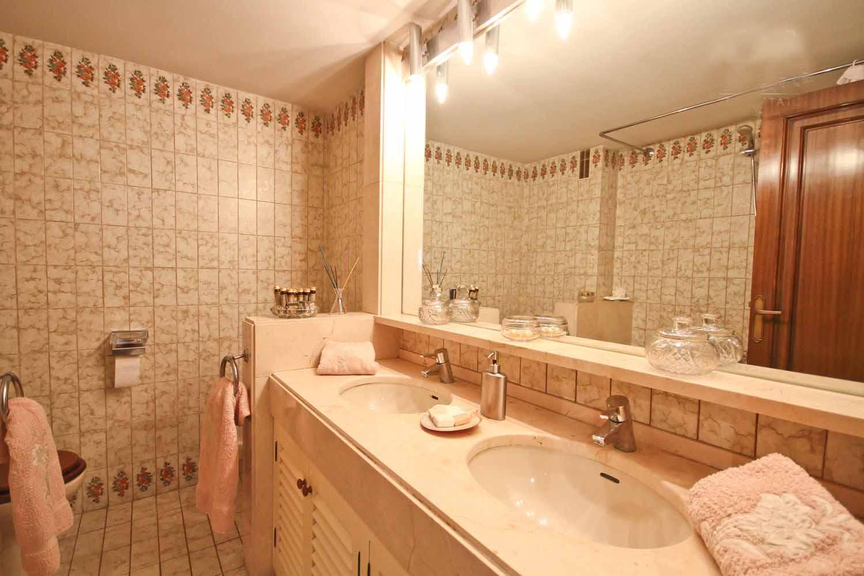 bathroom, marble, bight, bath, bathroom, marble, bight, bath, white, door,  mirror