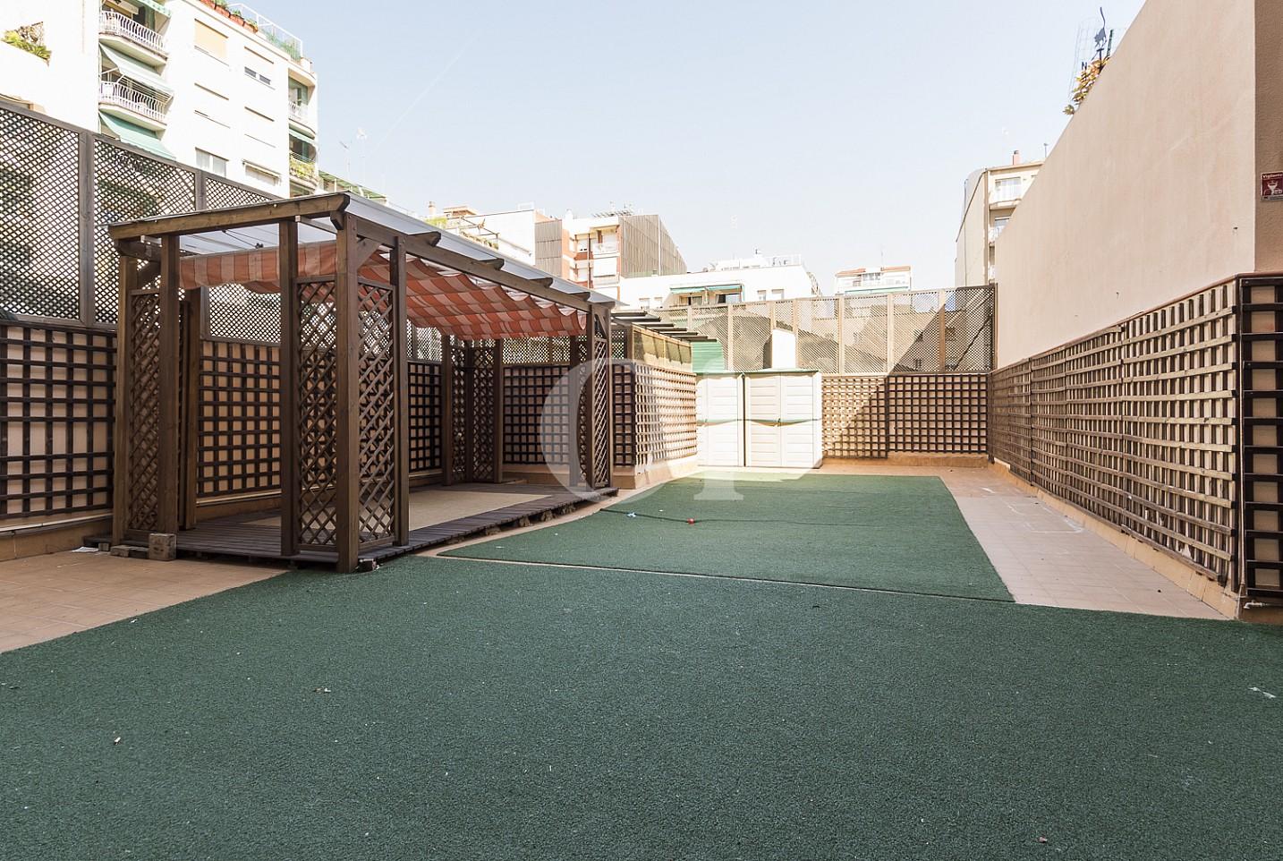 Квартира с террасой в Саграда Фамилия