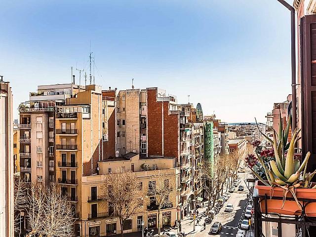 Spectaculaire vue depuis un appartement luxueux en vente à Sagrada familia à Barcelone