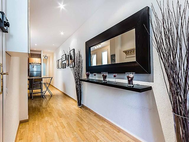 Hall d'entrée dans un appartement luxueux en vente à Sagrada familia à Barcelone