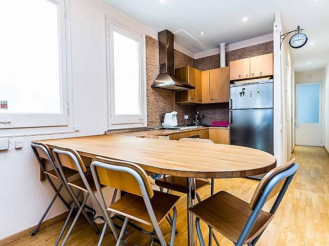 bonita cocina oficce-Lujoso-apartamento-en venta-Barcelona-Sagrada Familia-