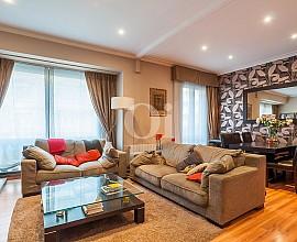 Продается квартира с ремонтом в Сант Жервази