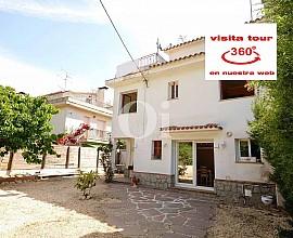 Casa rustica en venta muy céntrica en el pueblo de Òrrius, comarca del Maresme