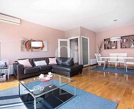 Gran piso en venta reformado con 2 plazas de parking en  Villa Olímpica