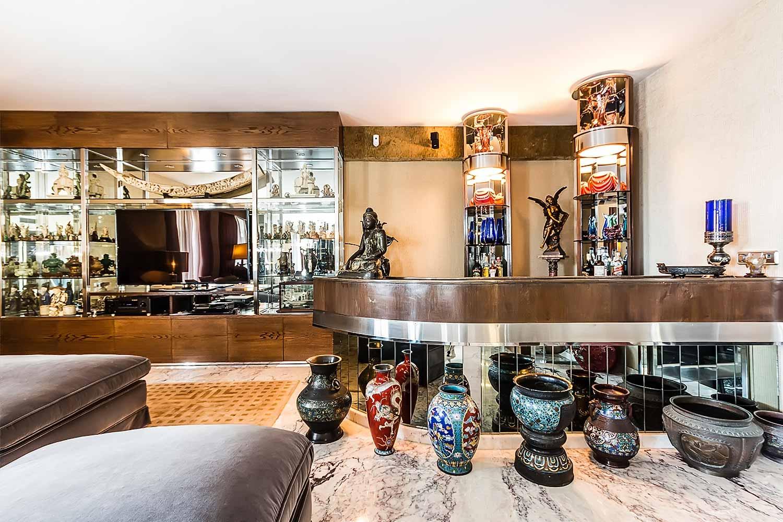 Salón exquisitamente decorado de piso con mucho carácter en venta en Sarrià-Sant Gervasi