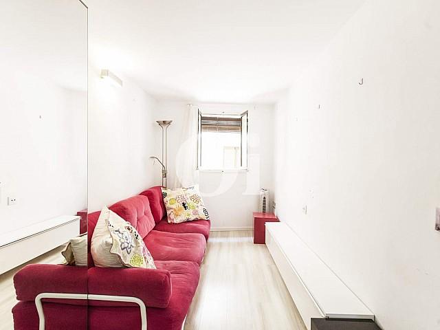 Acogedor piso en venta reformado en el Raval, Barcelona