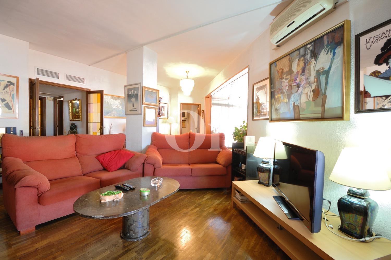 Квартира на продажу с видами на Саграда Фамилия