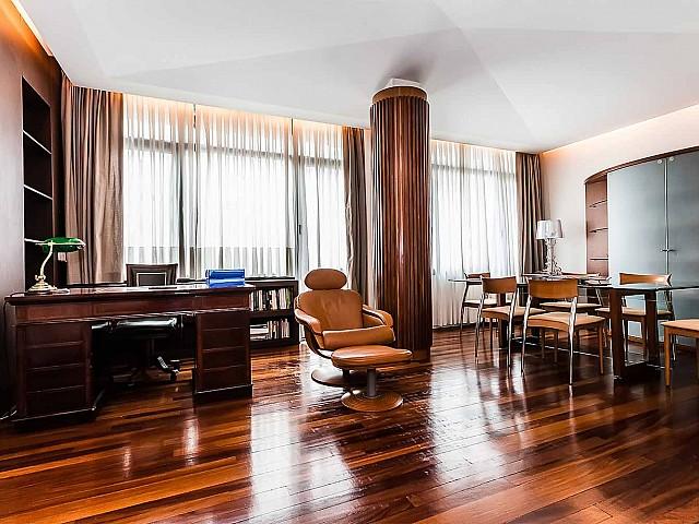 Luxuriöser Wohnbereich in möblierter Luxus-Wohnung zur Miete im Turo Park