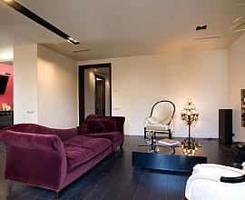 Продается шикарная квартира рядом с Порт Вель в Барселоне