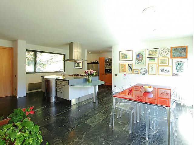 Дом в Монтсень в аренду