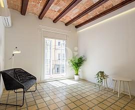 Продается квартира с элегантным ремонтом в Побле Сек