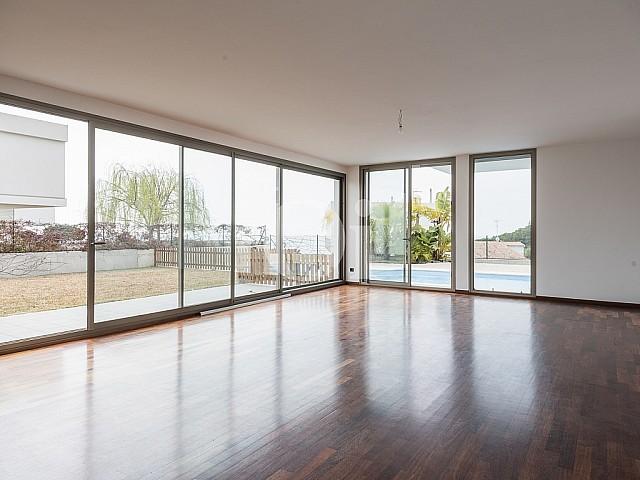 Casa moderna d'obra nova en venda a Arenys de Mar, Maresme