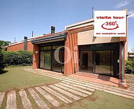 Casa independiente en venta en exclusiva urb. en Sant Cugat junto al golf