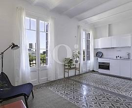 Продается отремонтированная квартира в районе Эль Клот, Барселона