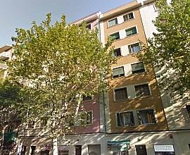 Продается квартира без ремонта в Лес Кортс