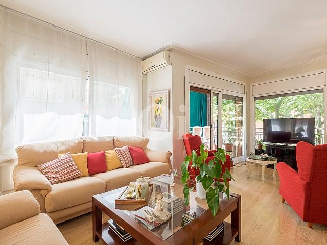 Geräumige, helle und renovierte Wohnung zum Verkauf in der Nähe von den Straßen Mandri und Bonanova, Barcelona