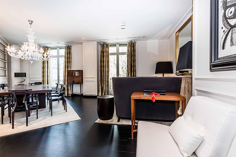 Salon spacieux et lumineux  dans un luxueux appartement en vente a Eixample Barcelone
