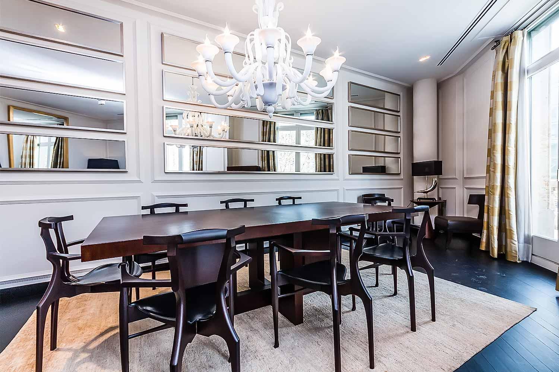 Grande salle a manger dans un luxueux appartement en vente a Eixample Barcelone