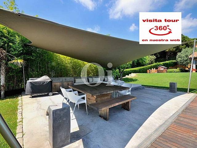 Magnifique maison en vente avec jardin extraordinaire à Cabrera de Mar, Maresme